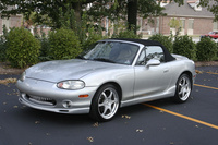 2004 Mazda MX-5 Miata Overview