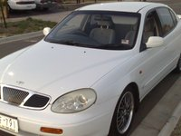 Picture of 1999 Daewoo Leganza 4 Dr SX Sedan, exterior