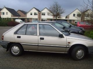 Picture of 1983 Mitsubishi Colt