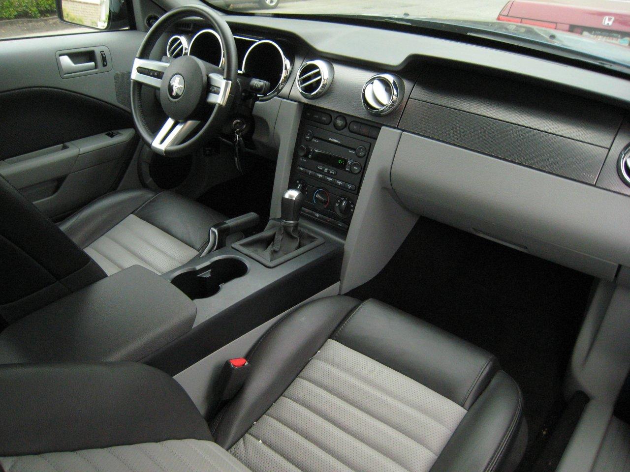 Sherlington 39 s car tutorial minecraft blog for 2005 ford mustang convertible interior