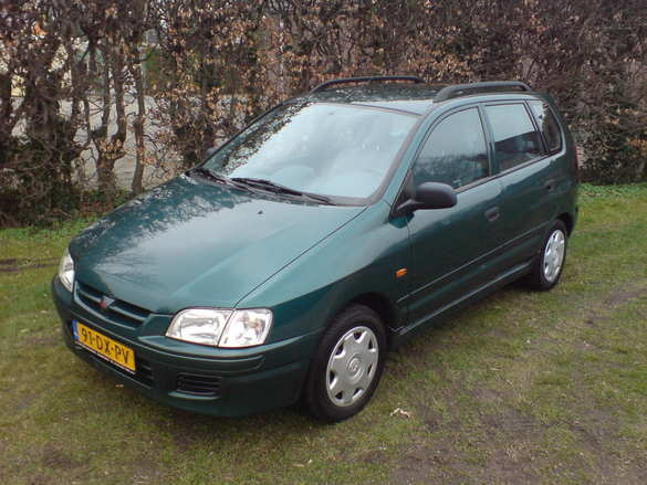 Picture of 2000 Mitsubishi Space Star