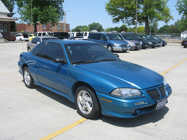 matty's 1997 Pontiac Grand Am 4 Dr SE Sedan