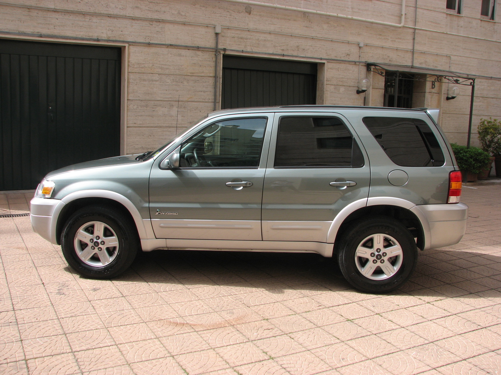 2006 ford escape hybrid specifications. Black Bedroom Furniture Sets. Home Design Ideas