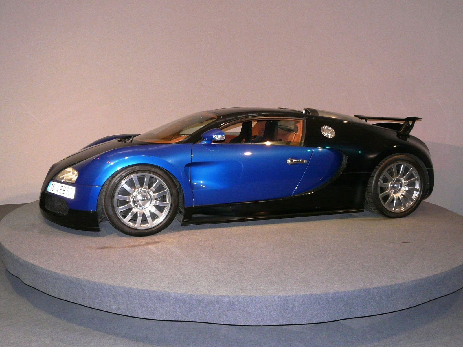 pin 2006 bugatti veyron w16 engine cutaway 1920x1440 dans. Black Bedroom Furniture Sets. Home Design Ideas