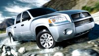 2008 Mitsubishi Raider Picture Gallery