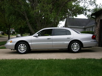 2001 Lincoln Continental 4 Dr STD Sedan picture, exterior