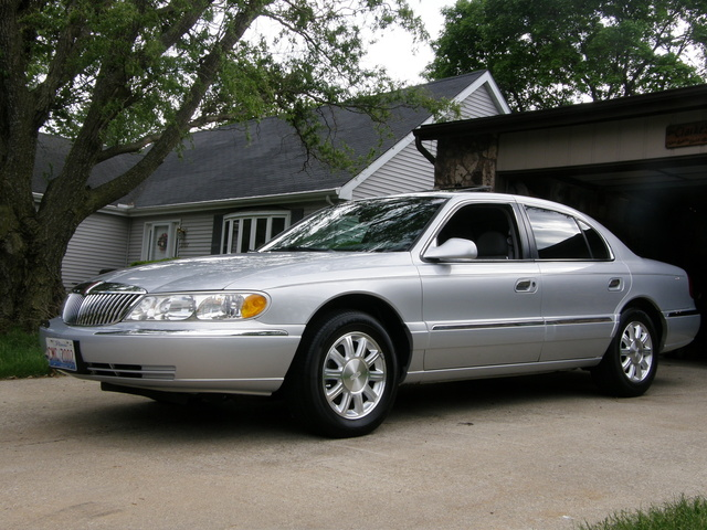 Picture of 2001 Lincoln Continental 4 Dr STD Sedan