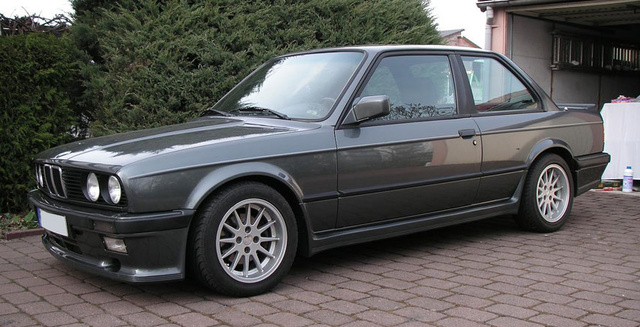 Picture of 1988 BMW 3 Series 325i