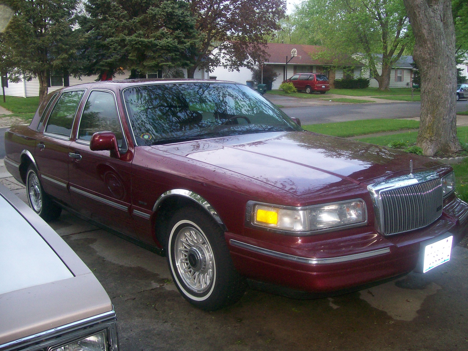 96+lincoln+town+car+interior