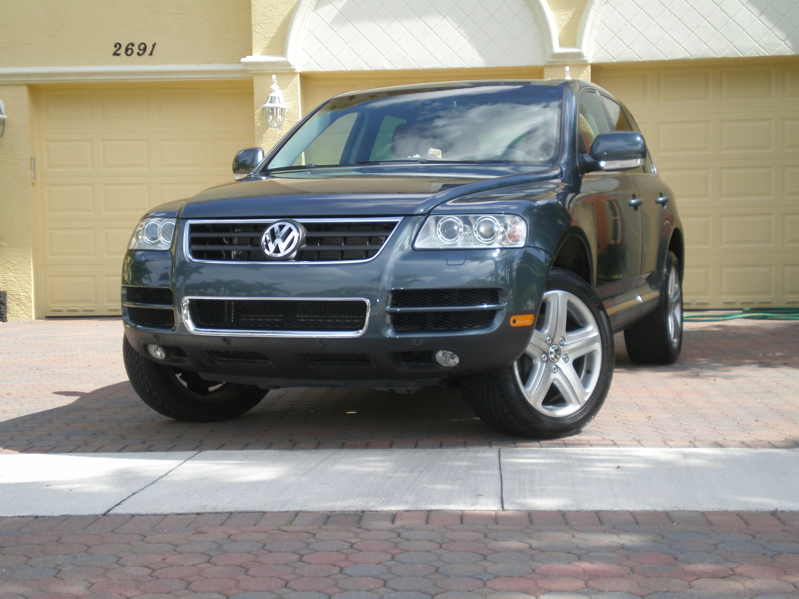 2006 volkswagen touareg pictures cargurus. Black Bedroom Furniture Sets. Home Design Ideas