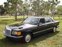 1991 Mercedes-Benz 560-Class Overview
