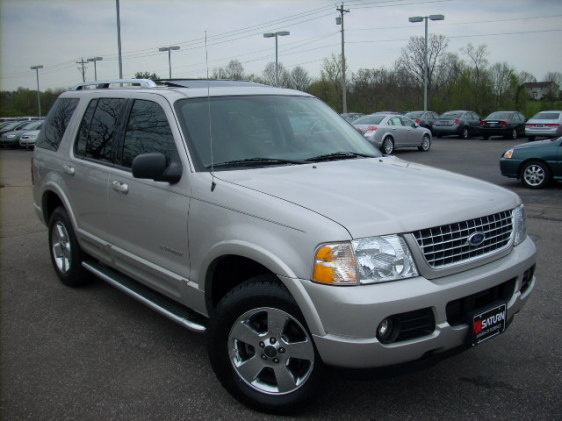 2004 Ford Explorer - Overview