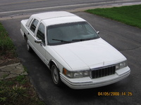 1992 Lincoln Town Car Overview