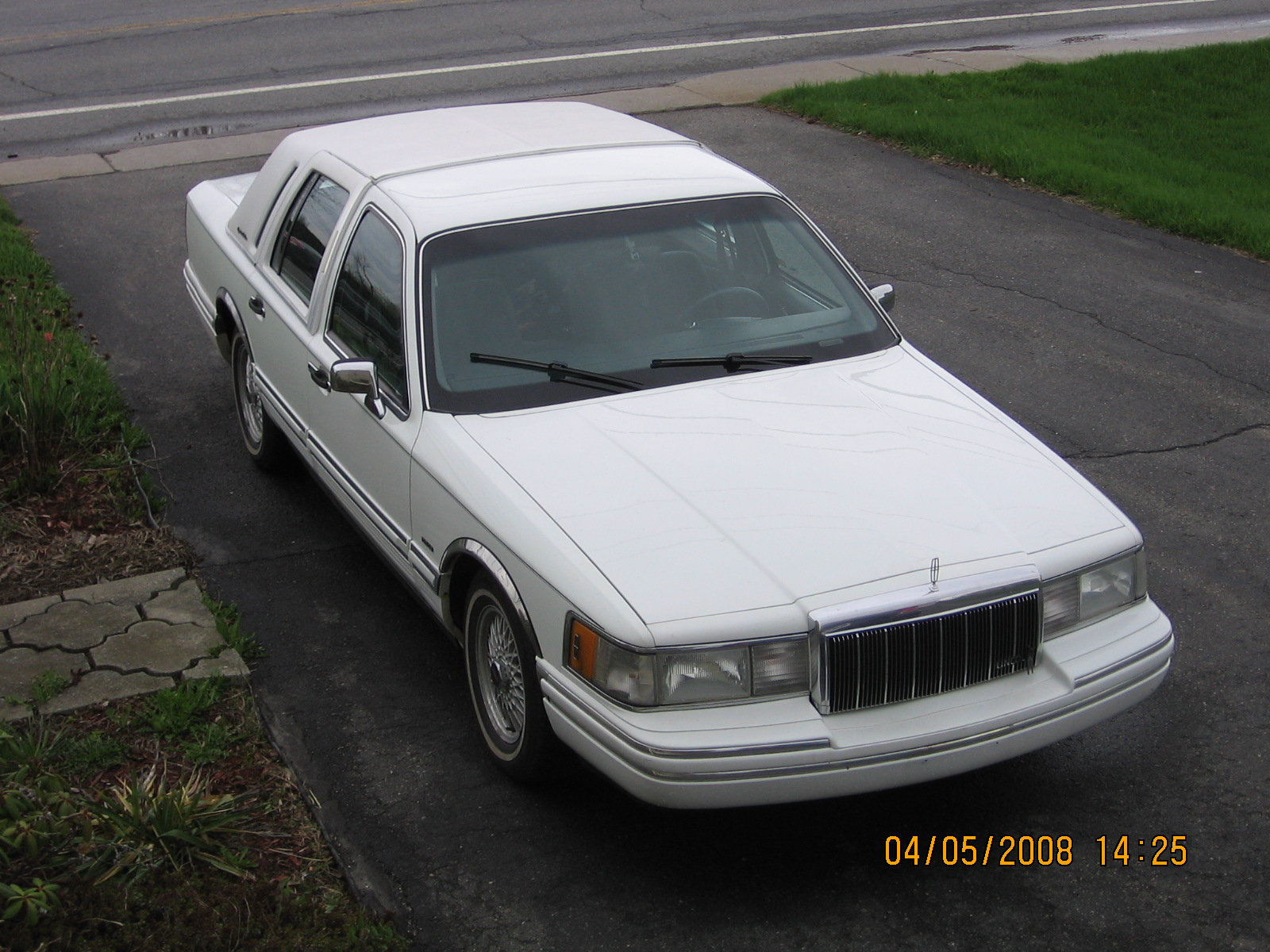 1992 Lincoln Town Car picture