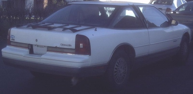 Picture of 1988 Oldsmobile Cutlass Supreme