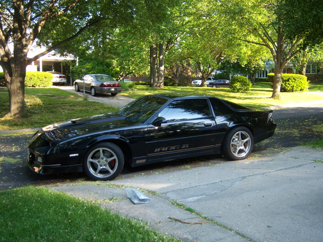 Picture of 1987 Chevrolet Camaro IROC-Z Coupe RWD, exterior, gallery_worthy