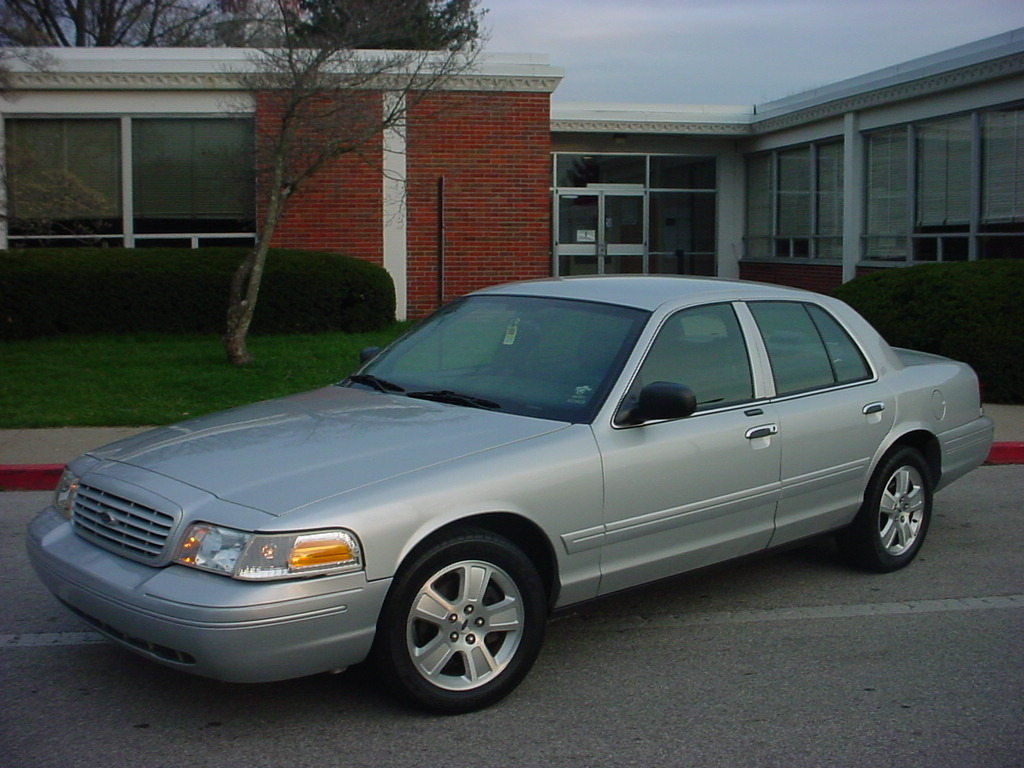 2003 ford crown victoria exterior pictures cargurus. Black Bedroom Furniture Sets. Home Design Ideas