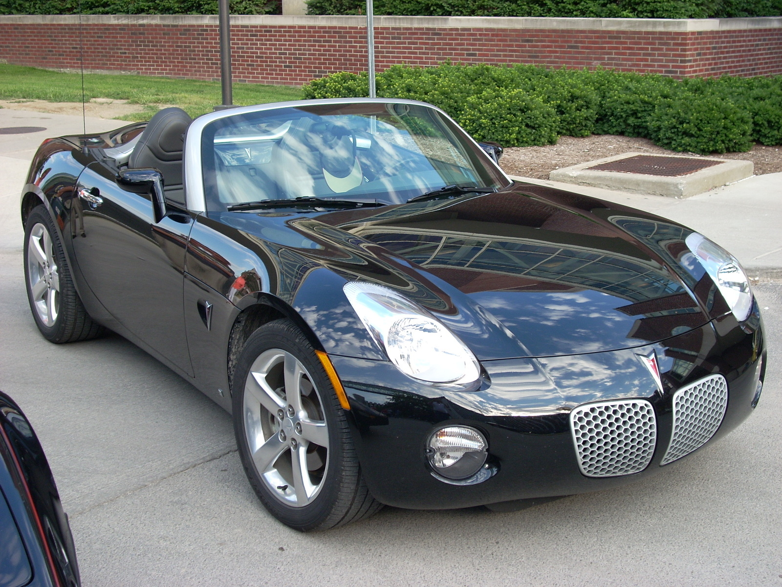 2006 chrysler crossfire srt6. picture of 2006 pontiac solstice roadster exterior gallery_worthy chrysler crossfire srt6