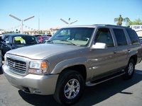 2000 Cadillac Escalade Overview
