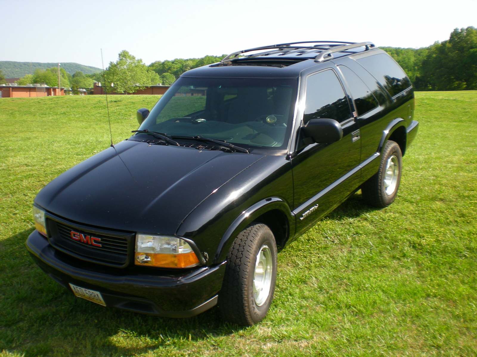 2001 GMC Jimmy 2 Dr SLS SUV picture