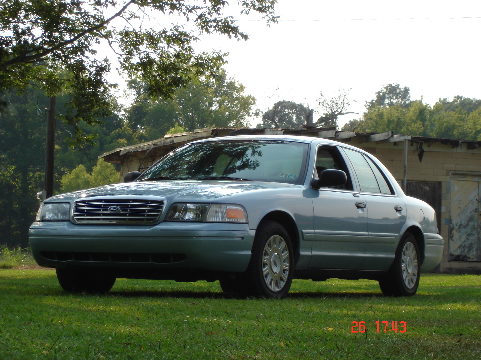 2005 Ford Crown Victoria STD picture
