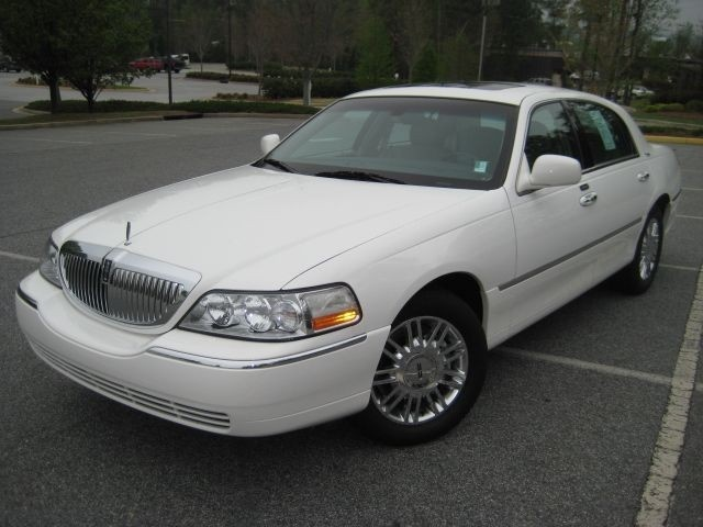 2003 Lincoln Town Car - Pictures - CarGurus