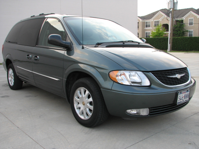 picture of 2002 chrysler town country lxi exterior. Cars Review. Best American Auto & Cars Review