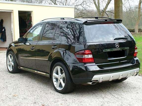 Mercedes Benz Ml500. 2006 Mercedes-Benz M-Class