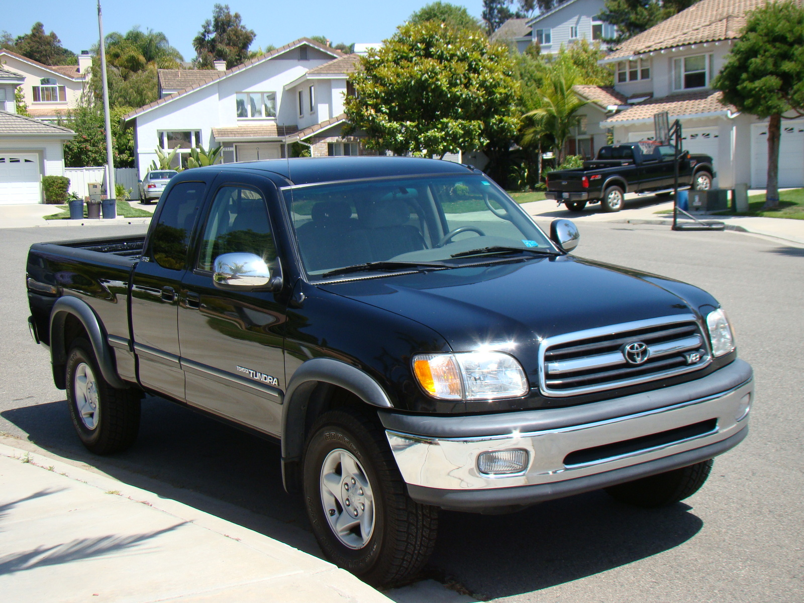 2001 Toyota Tundra 4 Dr SR5 V8 4WD Extended Cab SB picture