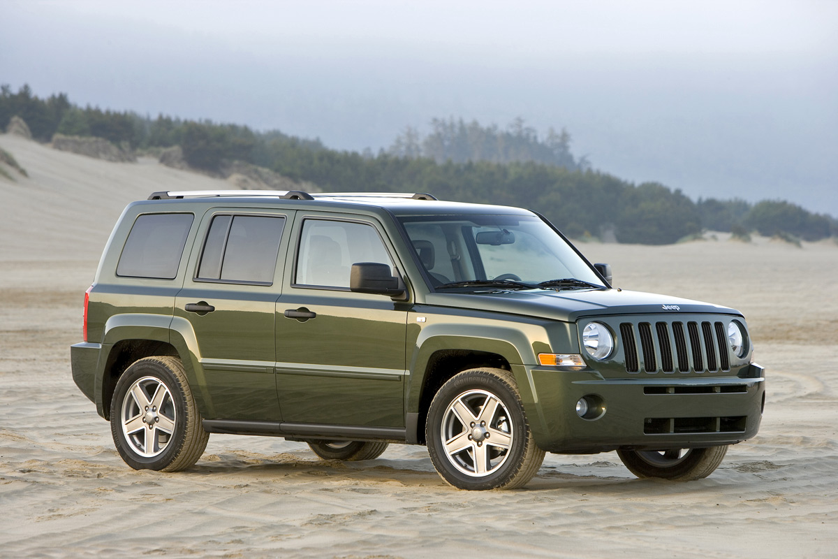 jeep wrangler review 2013 2014 unlimited news. Black Bedroom Furniture Sets. Home Design Ideas