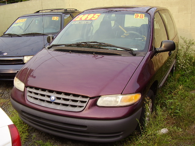 Picture of 1998 Plymouth Voyager