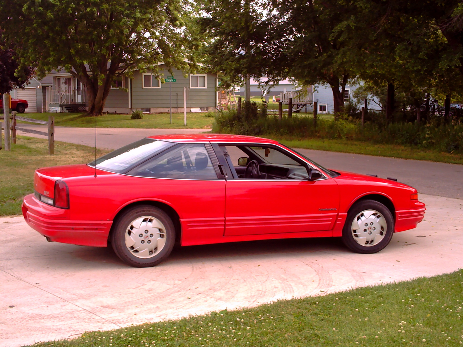1987 Ford Mustang Pictures C3704 pi18493249 also 1989 Ford Mustang Pictures C3706 in addition 1988 Chevrolet Camaro Rs Pictures T33391 pi35801942 also 1986 Chevrolet Camaro Pictures C3649 together with 1986 Ford Mustang Pictures C3703 pi35809988. on chevrolet camaro 2 5 1988 specs and images