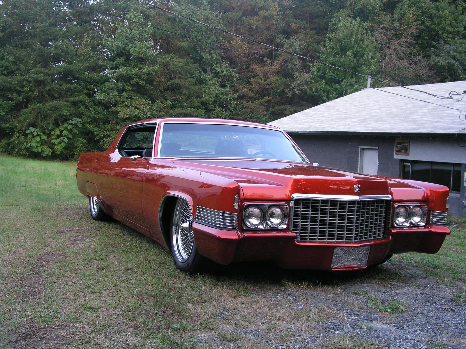 Cadillac Deville Pic