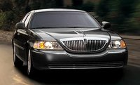 2008 Lincoln Town Car Overview