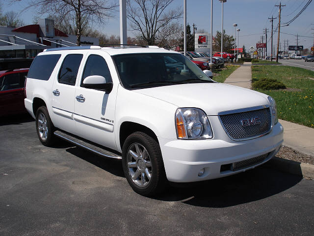 2007 GMC Yukon XL  Overview  CarGurus