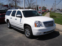 Picture of 2007 GMC Yukon XL 1500 SLE 4WD, exterior, gallery_worthy