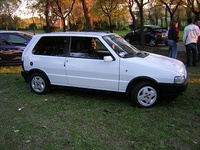 1992 FIAT Uno Picture Gallery