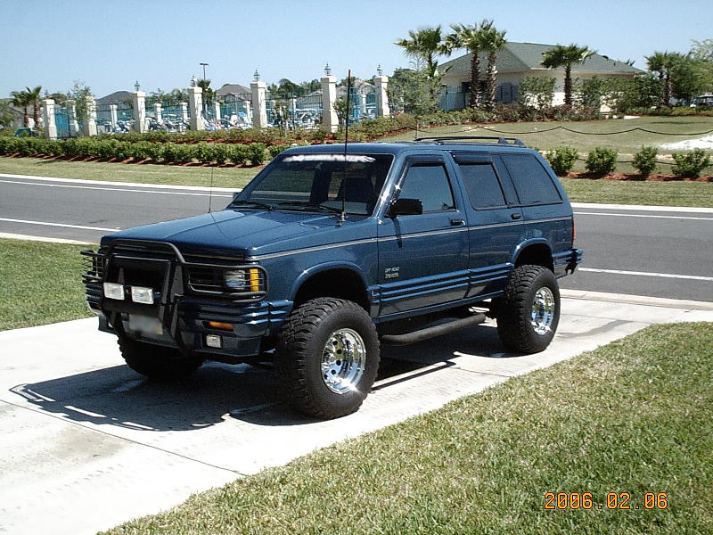 1994 Oldsmobile Bravada, 1994 Chevrolet S-10 Blazer 4 Dr STD 4WD SUV ...