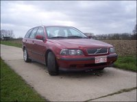 Picture of 2001 Volvo V40, exterior, gallery_worthy