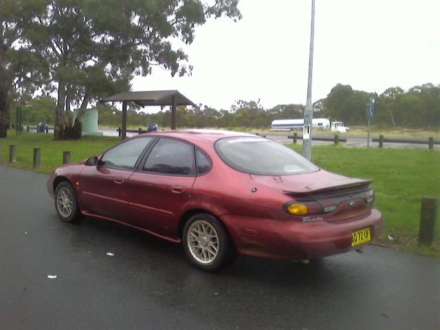 1997 Ford Taurus 4 Dr LX Sedan picture