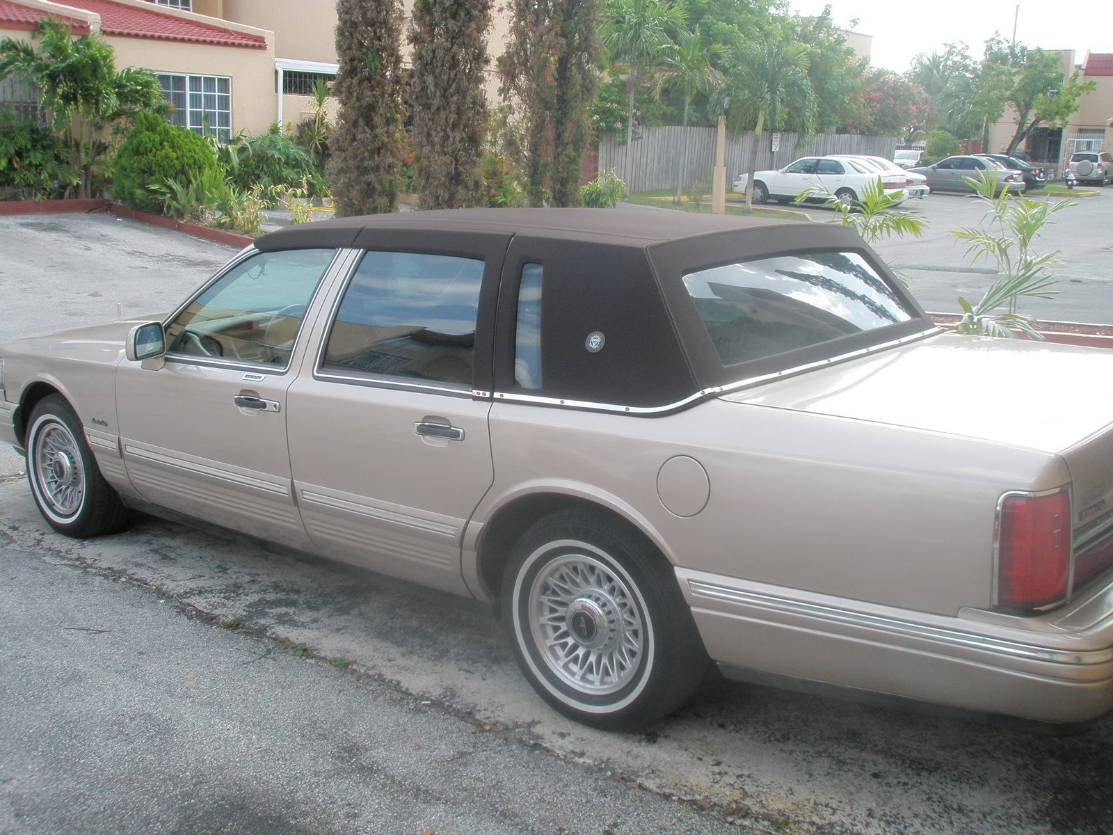 Lincoln Town Car Questions What Is The Price We Should Ask For
