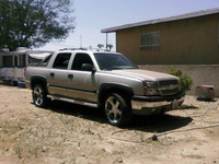 Picture of 2004 Chevrolet Avalanche 4 Dr 2500 4WD Crew Cab SB, exterior