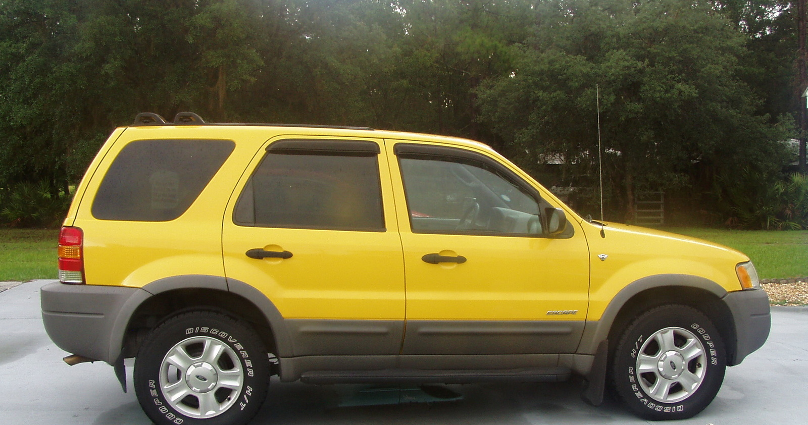how much does an alternator cost for a 2002 ford escape autos weblog. Black Bedroom Furniture Sets. Home Design Ideas