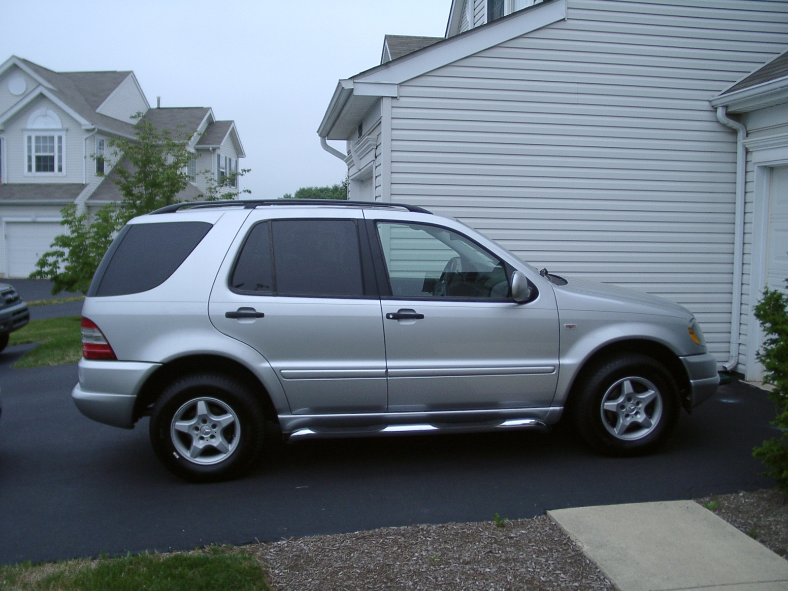 Picture of 2001 mercedes benz m class ml320 exterior for Mercedes benz suv 2001
