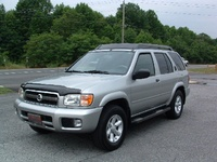2003 Nissan Pathfinder Overview