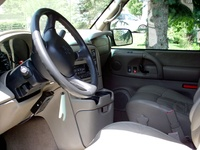 2004 Chevrolet Astro AWD picture, interior
