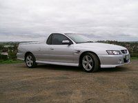 2005 Holden Commodore Overview