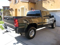 2005 Chevrolet Silverado 1500HD LS Crew Cab Short Bed 2WD picture, exterior