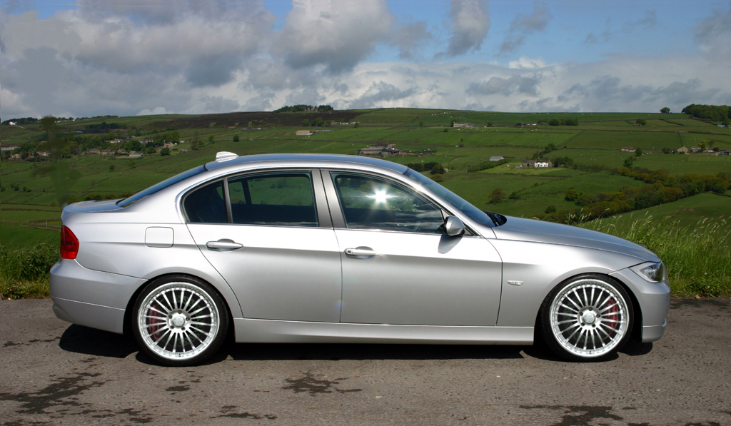 Bmw Series D Pic on 2004 Bmw 3 Series 325i Reviews