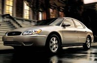 2005 Ford Taurus Overview